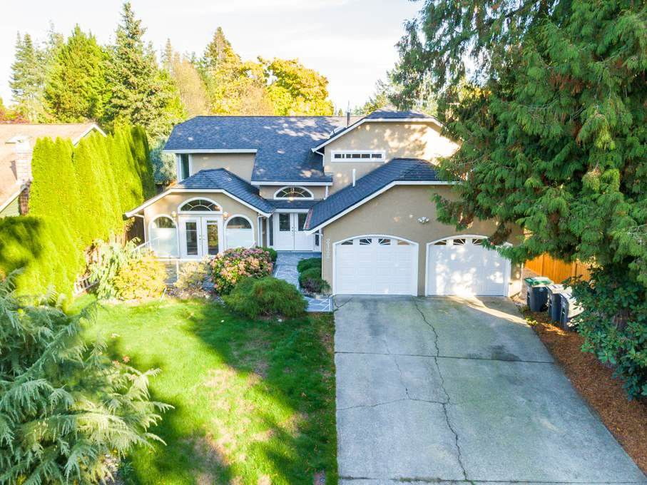 "Main Photo: 2122 127A Street in Surrey: Crescent Bch Ocean Pk. House for sale in ""Ocean Cliff"" (South Surrey White Rock)  : MLS®# R2379762"