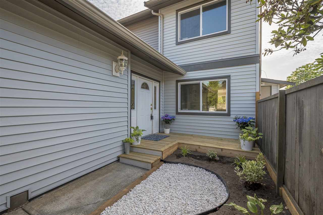 Main Photo: 54 46689 FIRST Avenue in Chilliwack: Chilliwack E Young-Yale Townhouse for sale : MLS®# R2380316