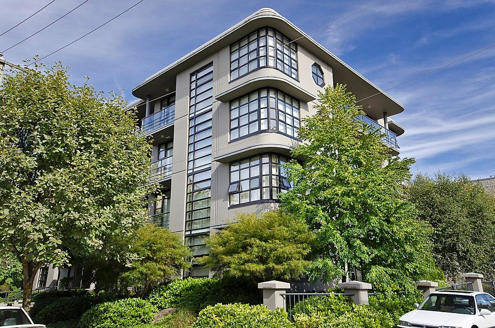 """Main Photo: 404 2828 YEW Street in Vancouver: Kitsilano Condo for sale in """"BEL AIR"""" (Vancouver West)  : MLS®# V914119"""