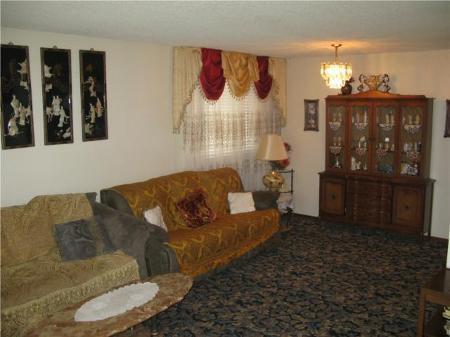 Photo 3: Photos: 135 Hiddleston Cr. in Winnipeg: Residential for sale (Maples)  : MLS®# 1009180