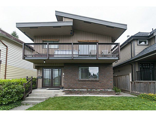 Main Photo: 356 E 21ST Street in North Vancouver: Central Lonsdale House for sale : MLS®# V1121544
