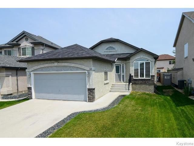Main Photo: 53 Michaud Crescent in WINNIPEG: St Vital Residential for sale (South East Winnipeg)  : MLS®# 1519073
