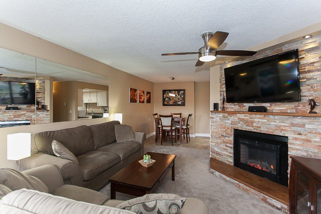 """Main Photo: 206 20420 54 Avenue in Langley: Langley City Condo for sale in """"RIDGEWOOD MANOR"""" : MLS®# R2043229"""