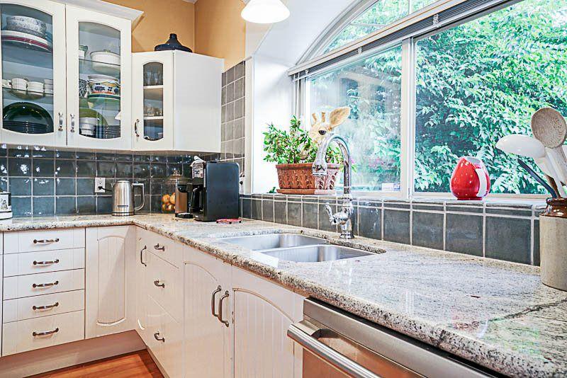"Photo 7: Photos: 16366 N GLENWOOD Crescent in Surrey: Fraser Heights House for sale in ""Fraser Glen"" (North Surrey)  : MLS®# R2199679"