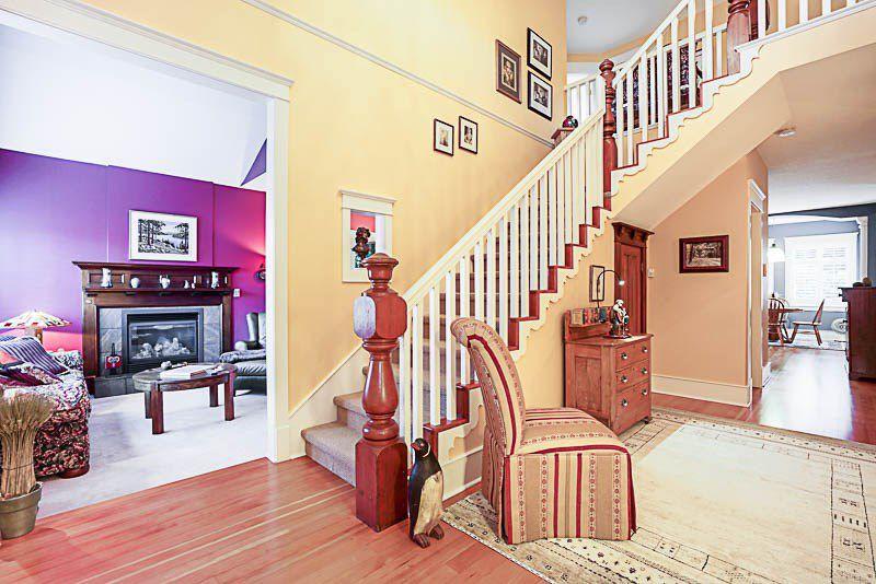 "Photo 2: Photos: 16366 N GLENWOOD Crescent in Surrey: Fraser Heights House for sale in ""Fraser Glen"" (North Surrey)  : MLS®# R2199679"