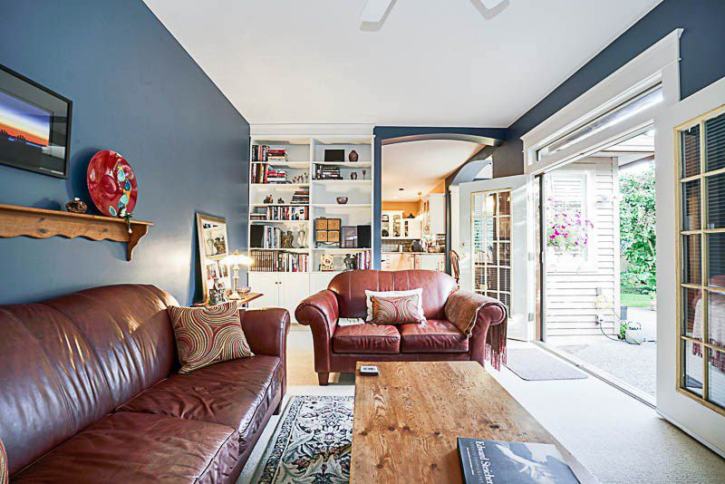 "Photo 10: Photos: 16366 N GLENWOOD Crescent in Surrey: Fraser Heights House for sale in ""Fraser Glen"" (North Surrey)  : MLS®# R2199679"
