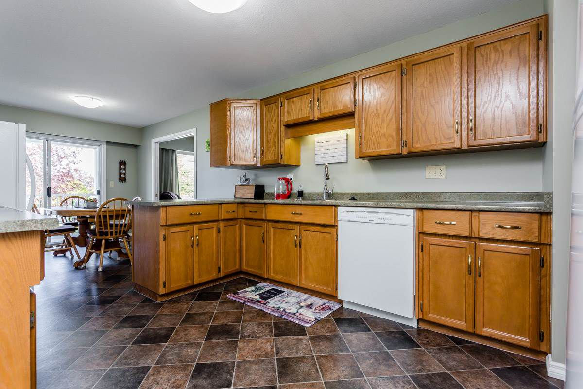 """Main Photo: 250 32691 GARIBALDI Drive in Abbotsford: Abbotsford West Townhouse for sale in """"Carriage Lane"""" : MLS®# R2262736"""