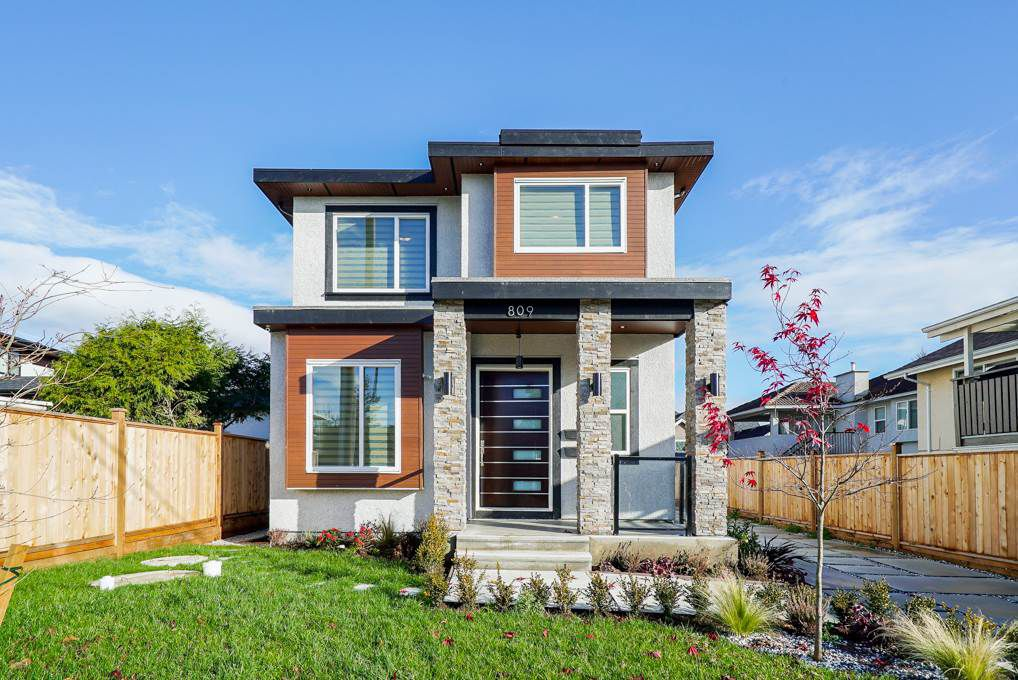 """Main Photo: 809 TWENTY FIRST Street in New Westminster: Connaught Heights House for sale in """"Connaught Heights"""" : MLS®# R2325016"""