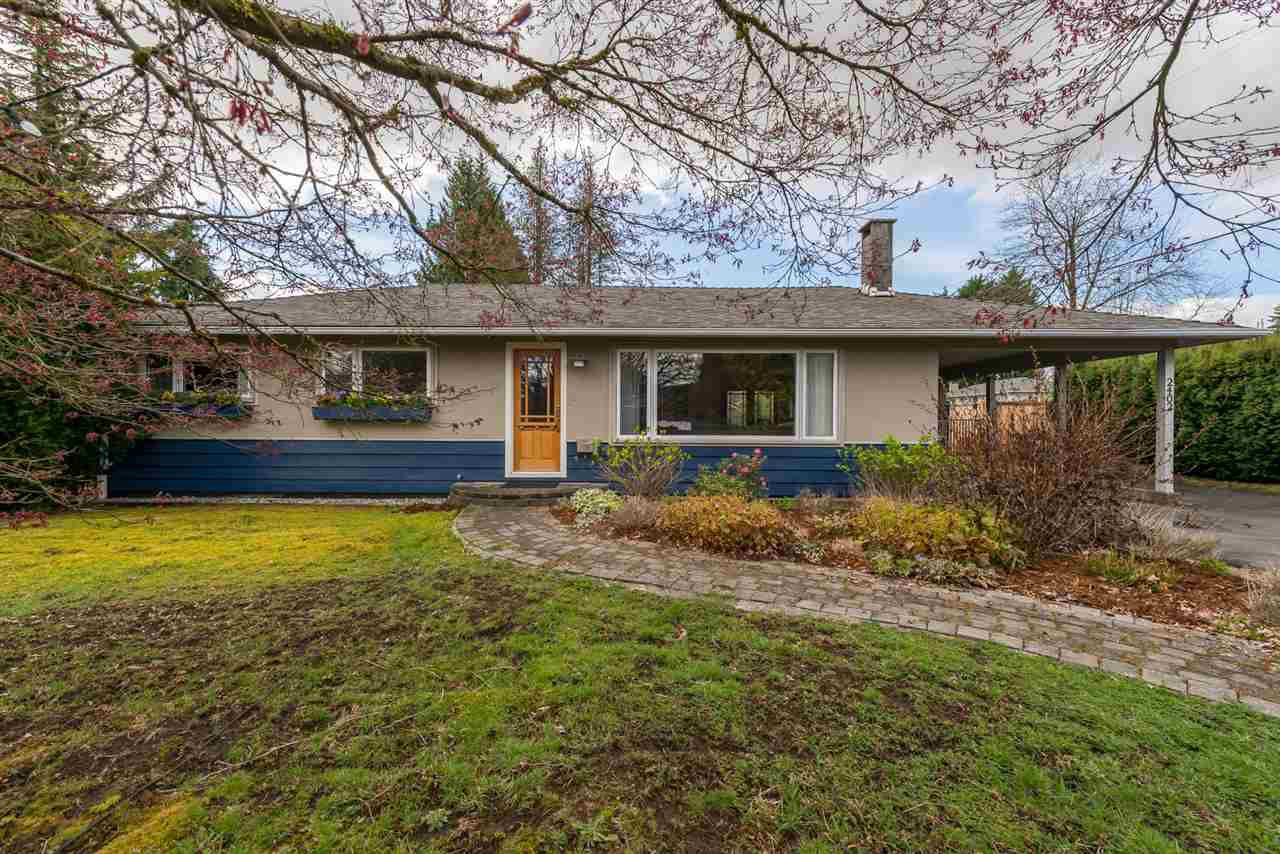 Main Photo: 2402 LAURALYNN Drive in North Vancouver: Westlynn House for sale : MLS®# R2359905