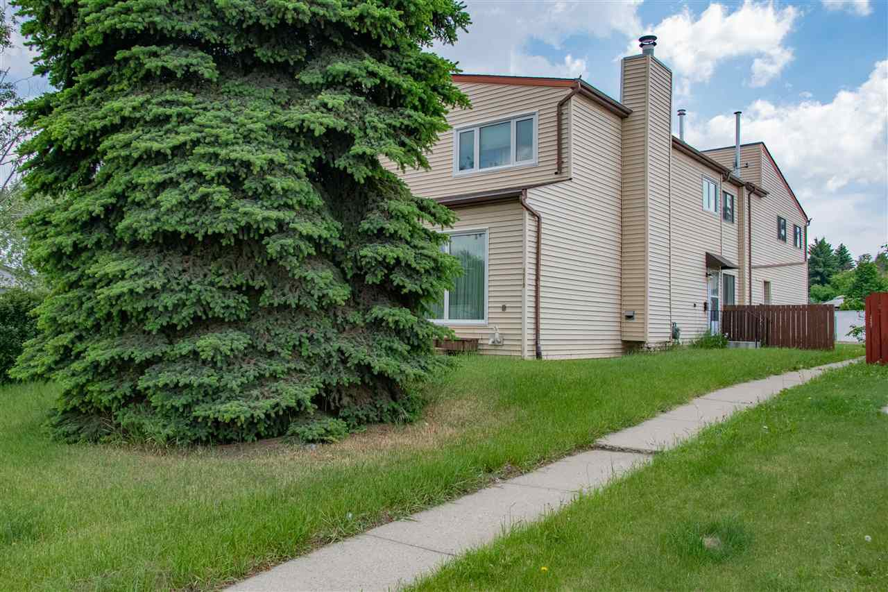 Main Photo: 1521 54 Street NW in Edmonton: Zone 29 Townhouse for sale : MLS®# E4161927