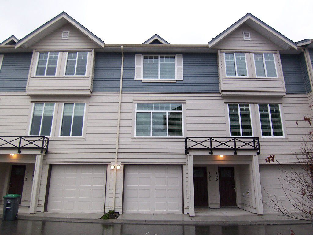 Main Photo: : Townhouse for sale : MLS®# N/A