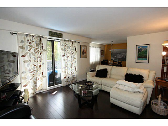 """Main Photo: 106 1544 FIR Street: White Rock Condo for sale in """"Juniper Arms"""" (South Surrey White Rock)  : MLS®# F1407253"""