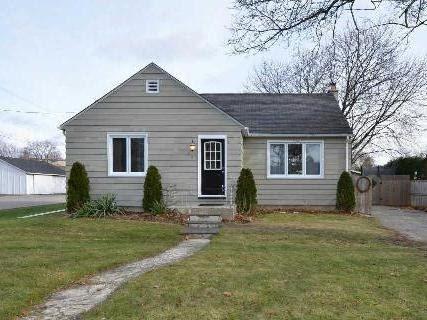 Main Photo: 37 S Church Street in Clarington: Orono House (Bungalow) for sale : MLS®# E3076063