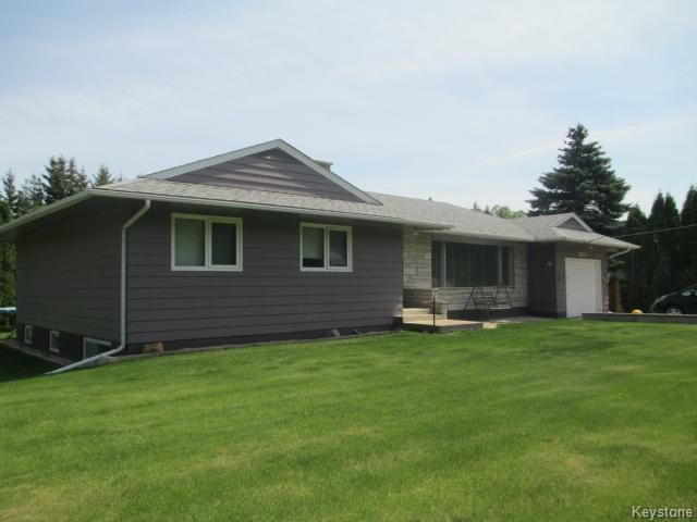 Main Photo: 520 Wellington Crescent in DAUPHIN: Manitoba Other Residential for sale : MLS®# 1500614