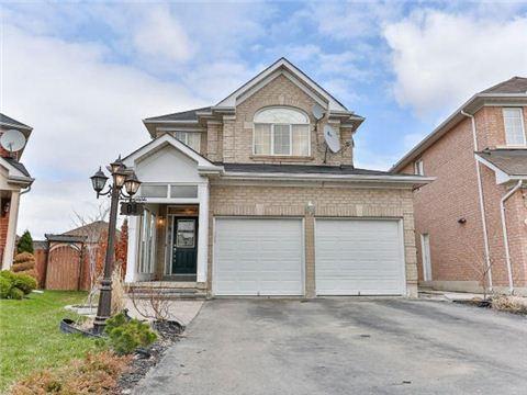 Main Photo: 4 Stirrup Court in Brampton: Fletcher's Creek Village House (2-Storey) for sale : MLS®# W3182876