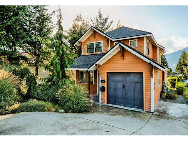 Main Photo: 828 BRITANNIA Way in Squamish: Britannia Beach House for sale : MLS®# V1119719