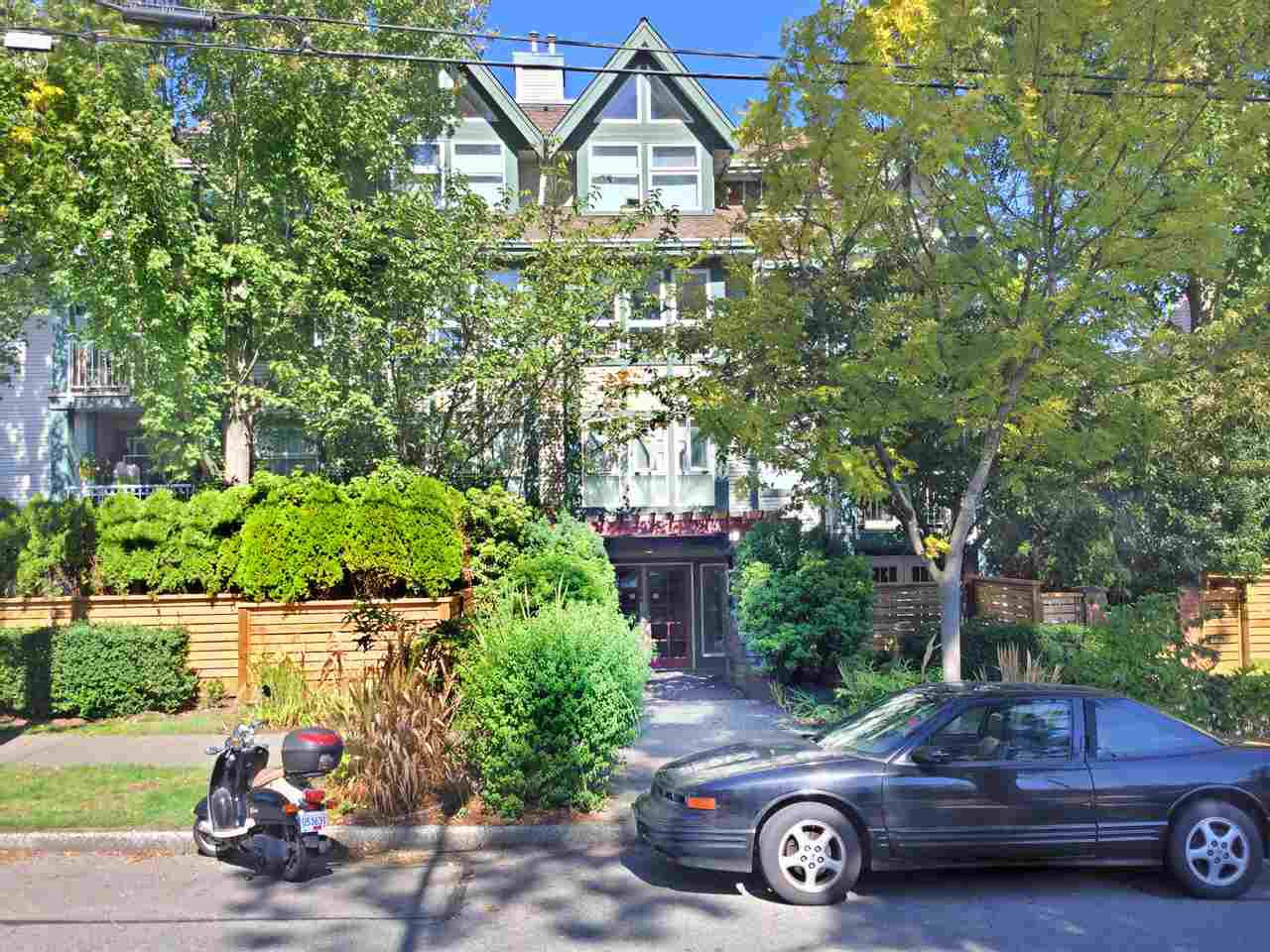 """Main Photo: 202 1915 E GEORGIA Street in Vancouver: Hastings Condo for sale in """"GEORGIA GARDENS"""" (Vancouver East)  : MLS®# R2000271"""