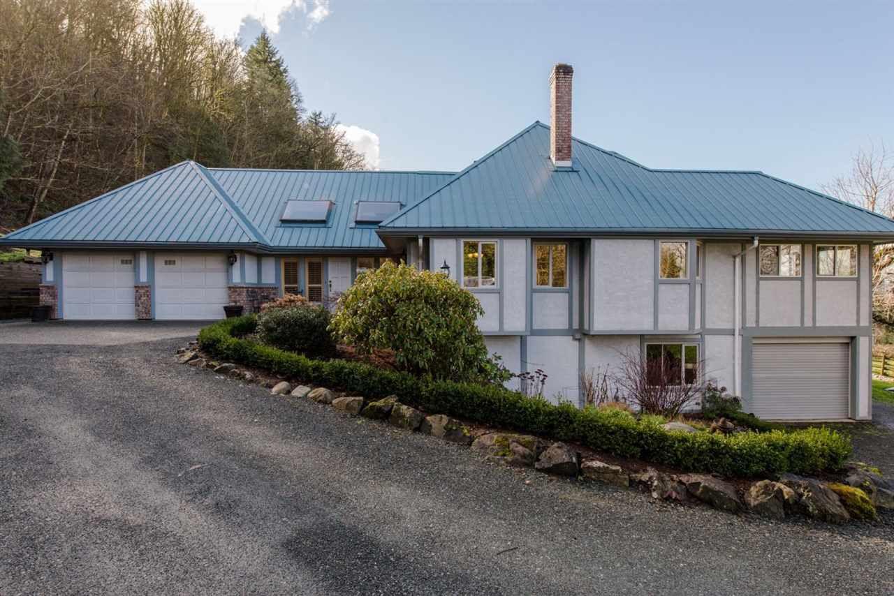 Main Photo: 41056 BELROSE Road in Abbotsford: Sumas Prairie House for sale : MLS®# R2039455