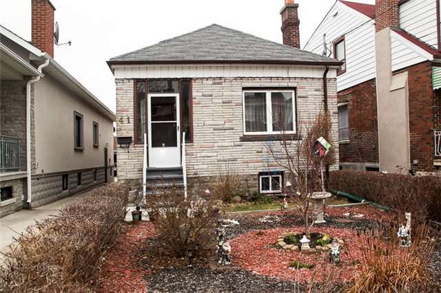 Main Photo: 41 Ashbury Avenue in Toronto: Oakwood-Vaughan House (Bungalow) for sale (Toronto C03)  : MLS®# C3450069