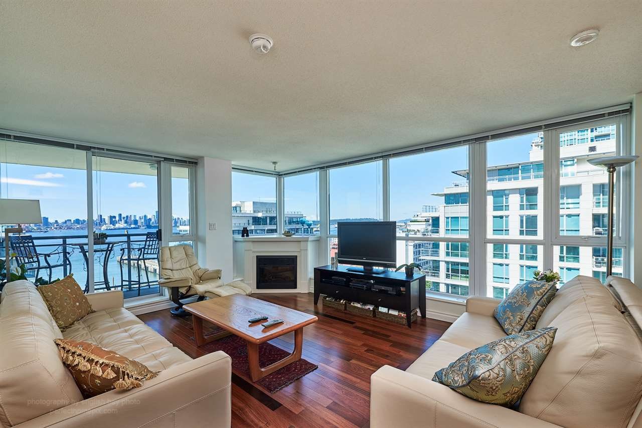 "Main Photo: 1206 188 E ESPLANADE Avenue in North Vancouver: Lower Lonsdale Condo for sale in ""Esplanade at the Pier"" : MLS®# R2081305"
