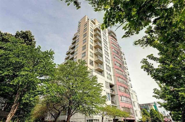 "Main Photo: 307 3455 ASCOT Place in Vancouver: Collingwood VE Condo for sale in ""QUEENS COURT"" (Vancouver East)  : MLS®# R2117312"