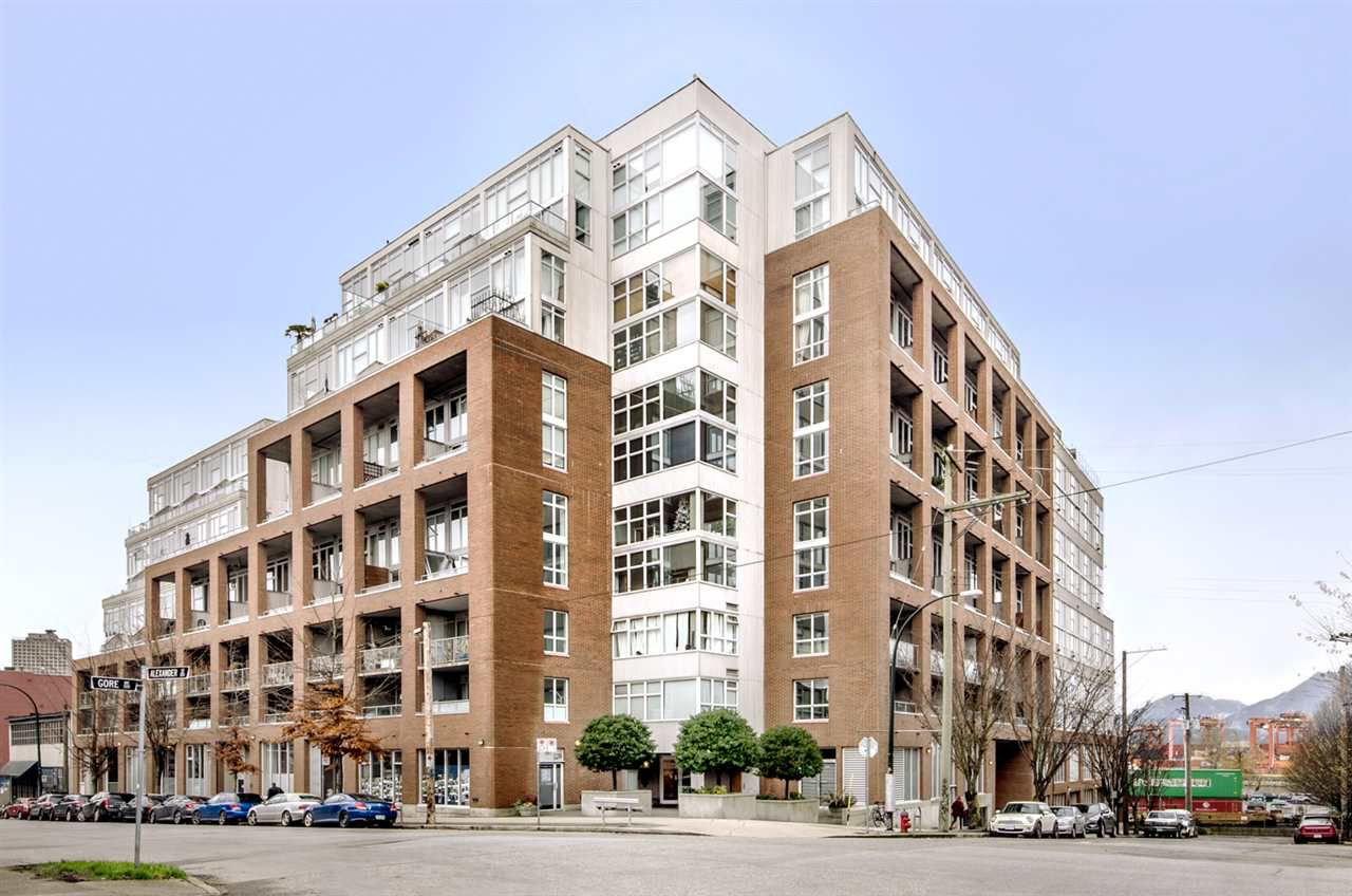 """Main Photo: 299 ALEXANDER Street in Vancouver: Hastings Condo for sale in """"THE EDGE"""" (Vancouver East)  : MLS®# R2126251"""