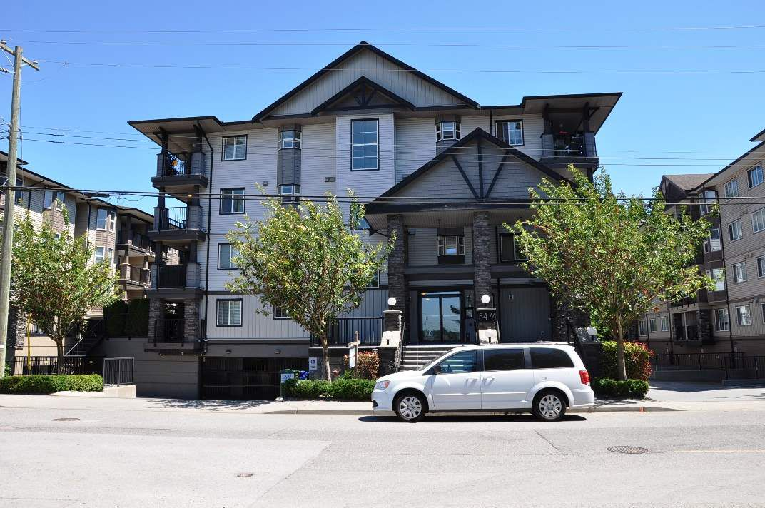 Main Photo: 202 5474 198 Street in Langley: Langley City Condo for sale : MLS®# R2186471