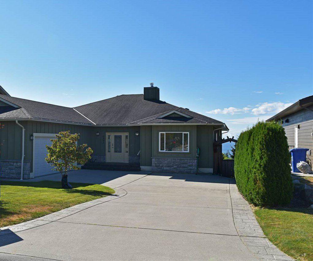 Main Photo: 6393 JASPER Road in Sechelt: Sechelt District House for sale (Sunshine Coast)  : MLS®# R2201602