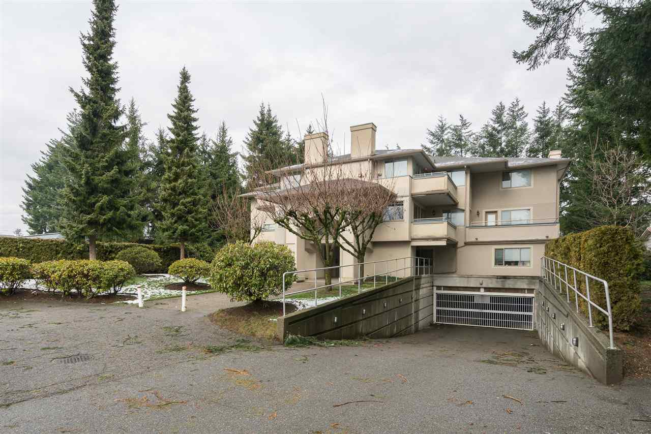 "Main Photo: 305 33675 MARSHALL Road in Abbotsford: Central Abbotsford Condo for sale in ""The Huntington"" : MLS®# R2239634"