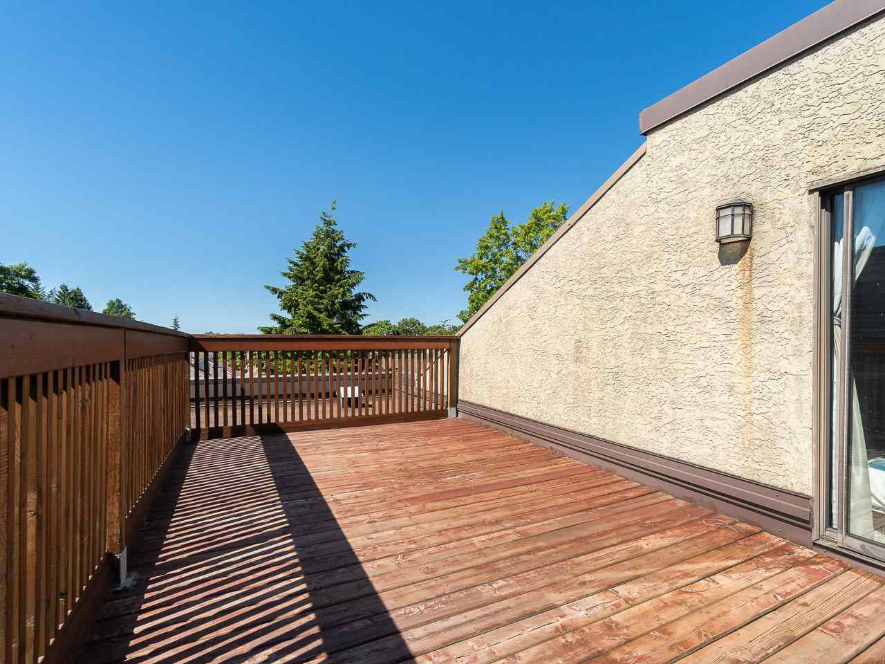 """Photo 8: Photos: 202 836 TWELFTH Street in New Westminster: West End NW Condo for sale in """"London Place"""" : MLS®# R2289709"""