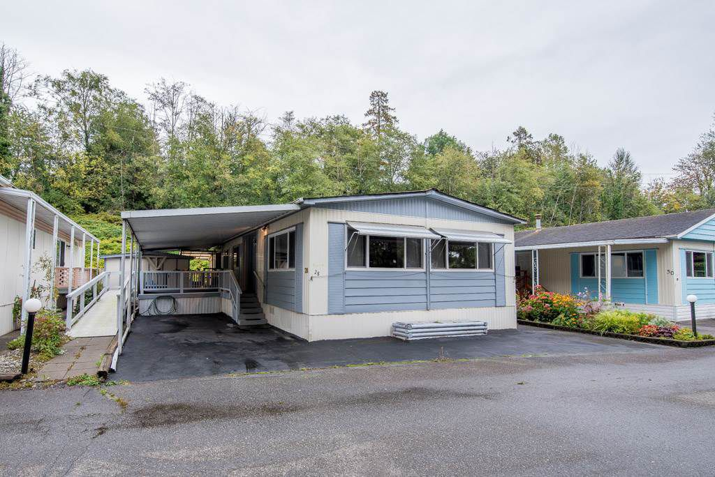"Main Photo: 28 201 CAYER Street in Coquitlam: Maillardville Manufactured Home for sale in ""WILDWOOD PARK"" : MLS®# R2320730"