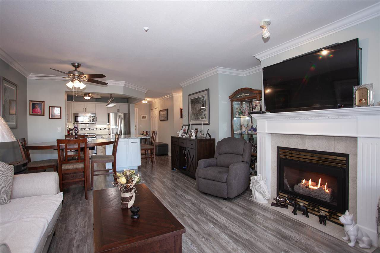 """Main Photo: 205 20448 PARK Avenue in Langley: Langley City Condo for sale in """"James Court"""" : MLS®# R2321619"""