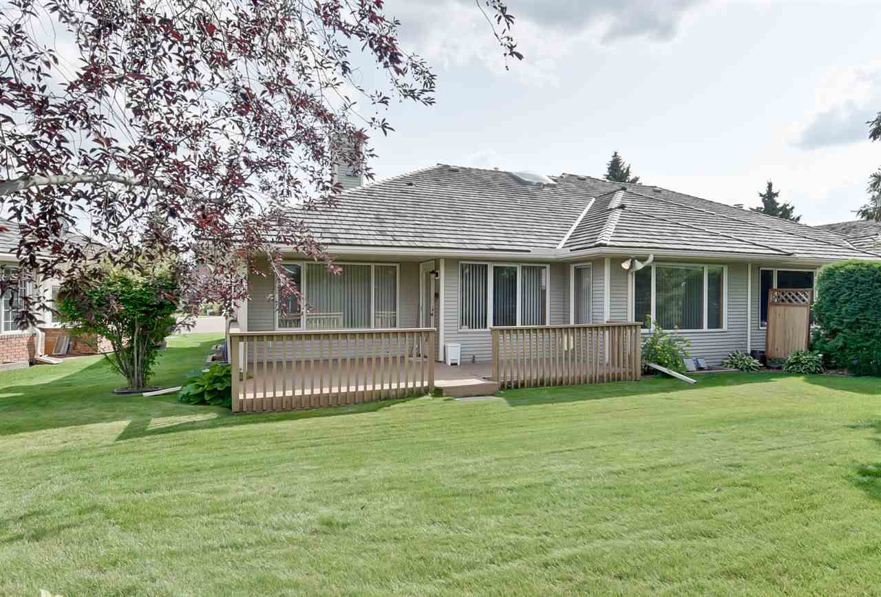 Main Photo: 151 COUNTRY CLUB Place in Edmonton: Zone 22 House Half Duplex for sale : MLS®# E4139678