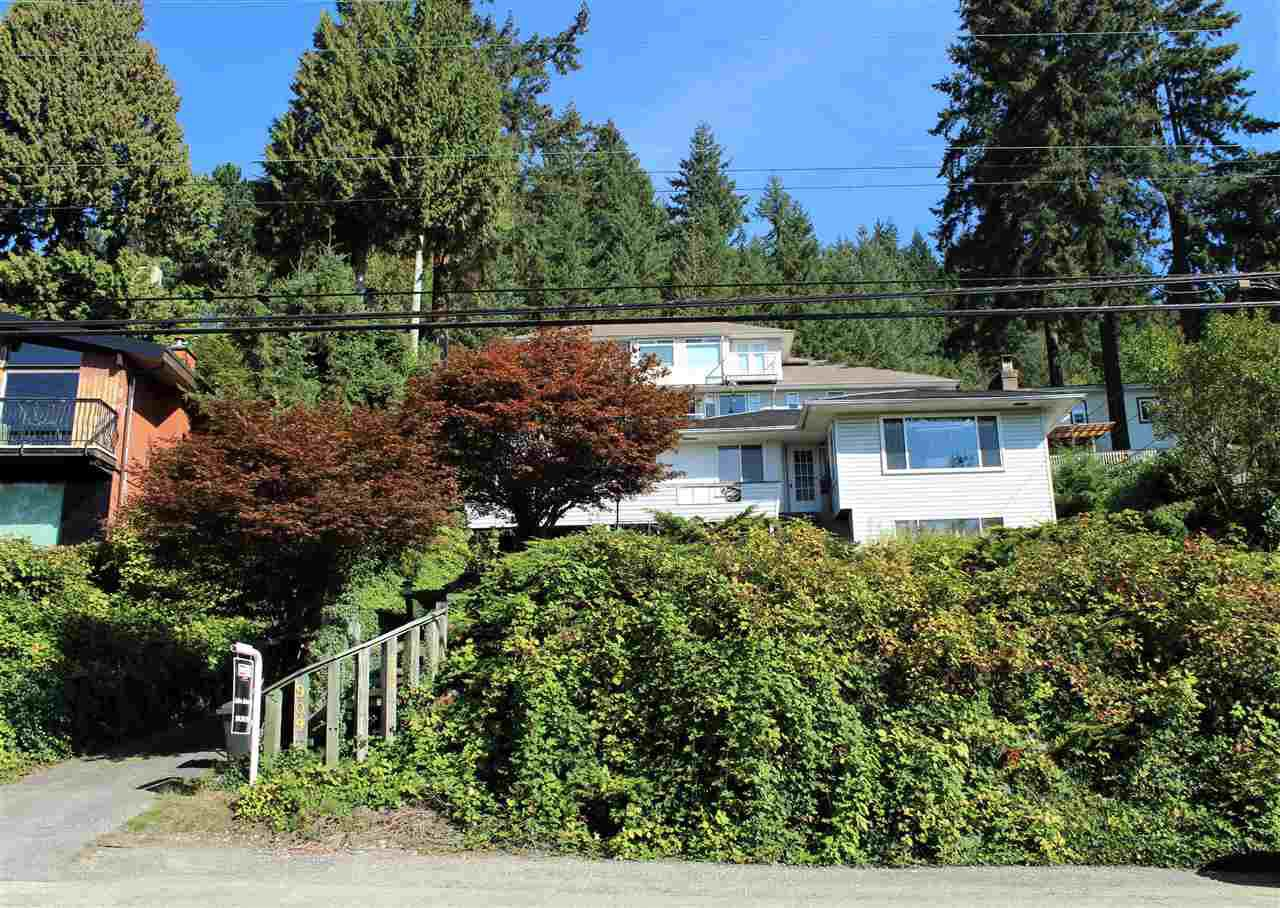 Main Photo: 909 IOCO Road in Port Moody: Barber Street House for sale : MLS®# R2335232