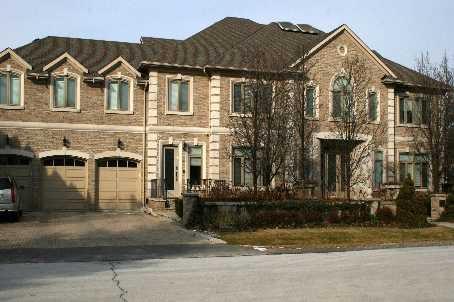 Main Photo: 236 Arnold Avenue in Vaughan: Crestwood-Springfarm-Yorkhill House (2 1/2 Storey) for sale : MLS®# N2267809