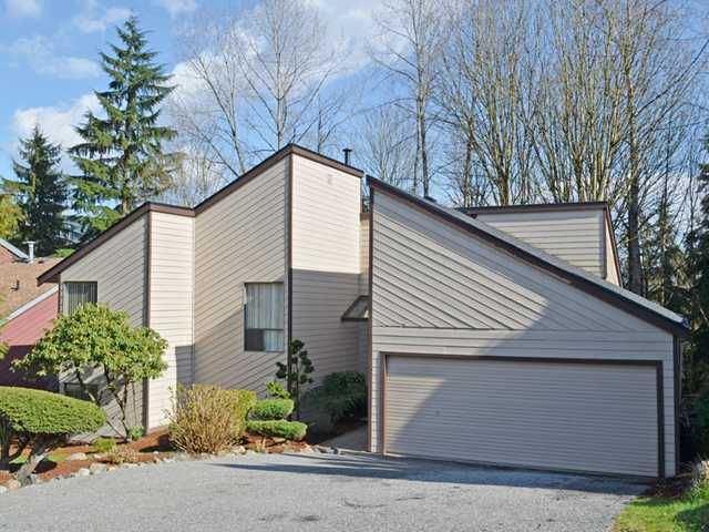"""Main Photo: 1079 DOLPHIN Street in Coquitlam: Ranch Park House for sale in """"RANCH PARK"""" : MLS®# V1108389"""