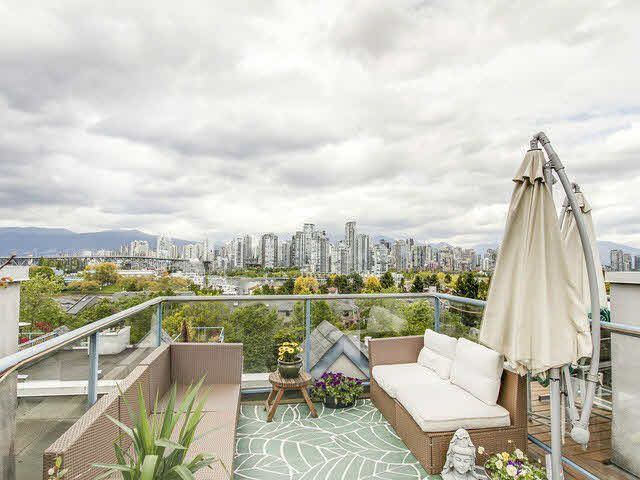 """Main Photo: 306 1166 W 6TH Avenue in Vancouver: Fairview VW Townhouse for sale in """"Seascape Vista"""" (Vancouver West)  : MLS®# V1121013"""