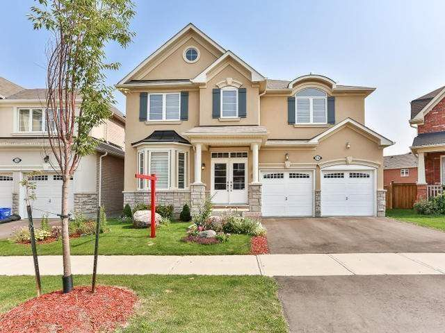 Main Photo: 14 Old Cleeve Crest in Brampton: Northwest Brampton House (2-Storey) for sale : MLS®# W3376408