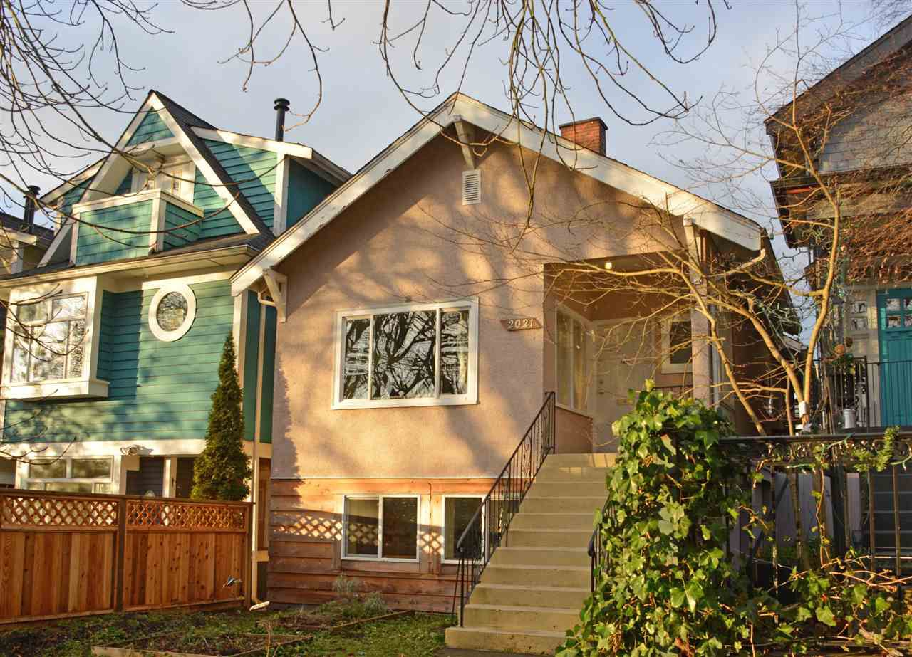 Main Photo: 2021 KITCHENER Street in Vancouver: Grandview VE House for sale (Vancouver East)  : MLS®# R2030075