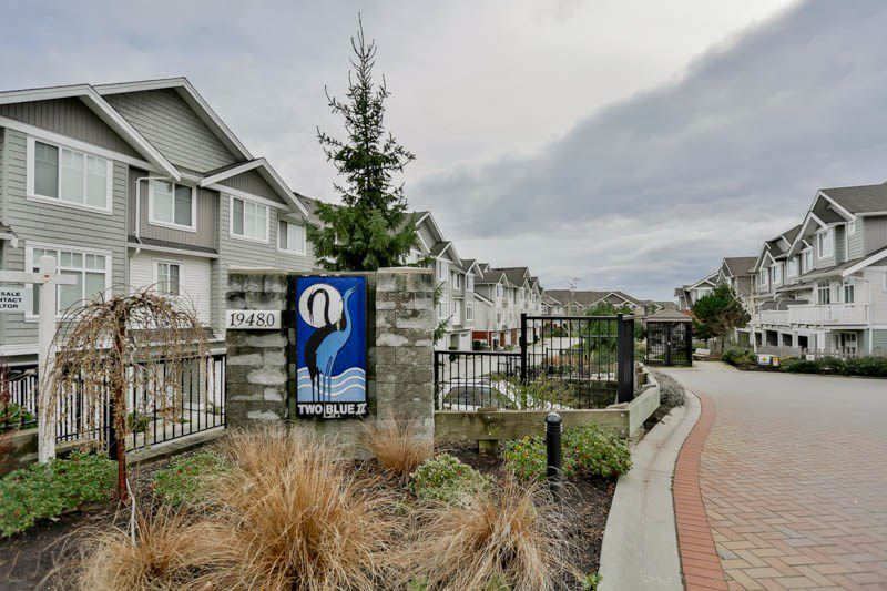 """Main Photo: 62 19480 66 Avenue in Surrey: Clayton Townhouse for sale in """"Two Blue 2"""" (Cloverdale)  : MLS®# R2041432"""