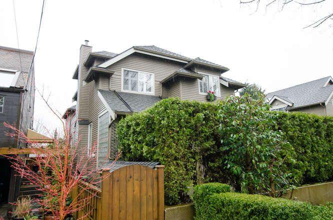 "Main Photo: 2334 W 6TH Avenue in Vancouver: Kitsilano Townhouse for sale in ""Kitsilano"" (Vancouver West)  : MLS®# R2150732"