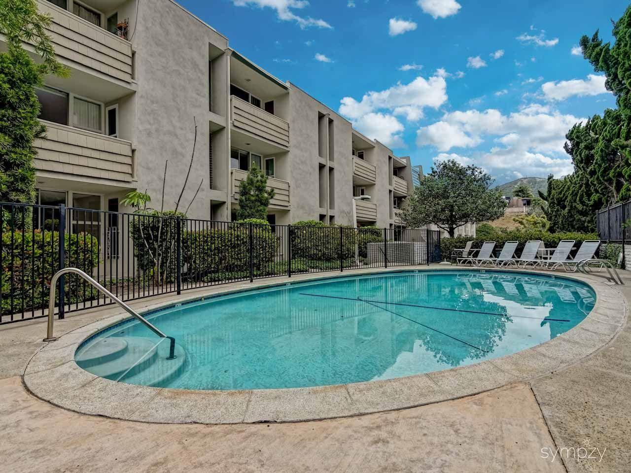Main Photo: LA JOLLA Condo for rent : 1 bedrooms : 2510 TORREY PINES RD #312
