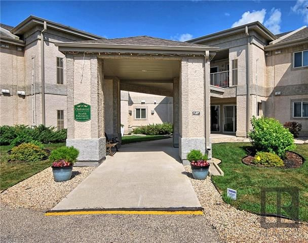 Main Photo: 120 500 Cathcart Street in Winnipeg: Charleswood Condominium for sale (1G)  : MLS®# 1820247