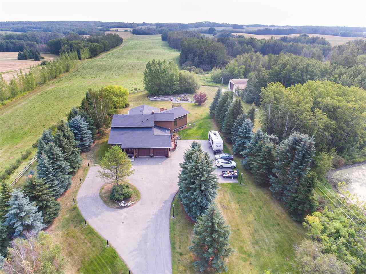 Main Photo: 53247 RR221: Rural Strathcona County House for sale : MLS®# E4137782