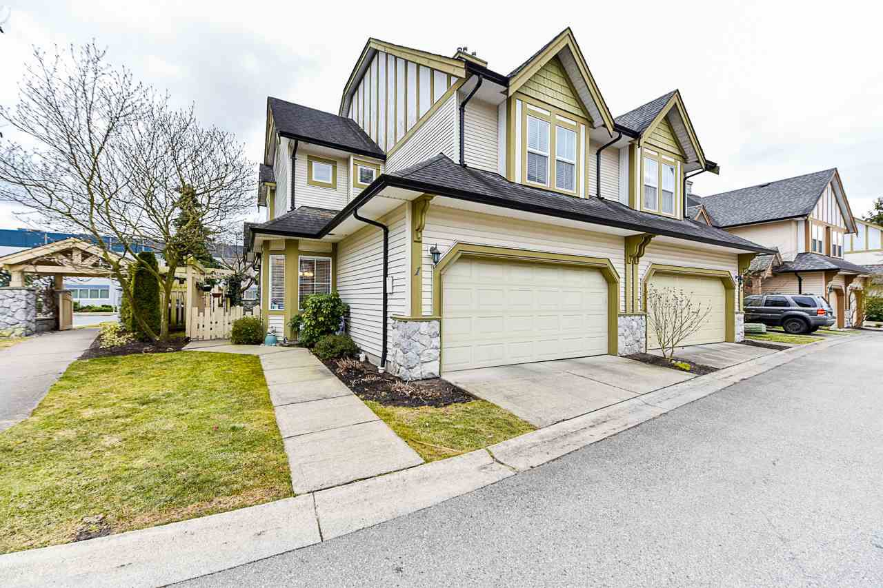 """Main Photo: 1 18707 65 Avenue in Surrey: Cloverdale BC Townhouse for sale in """"The Legends"""" (Cloverdale)  : MLS®# R2349141"""