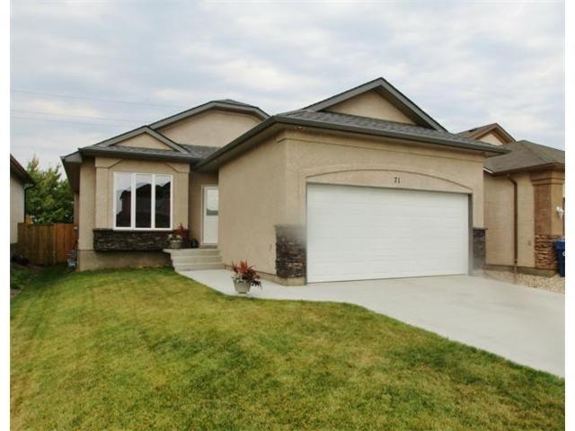 Main Photo: 71 Helen Mayba Crescent in Winnipeg: Transcona Residential for sale (North East Winnipeg)  : MLS®# 1219010