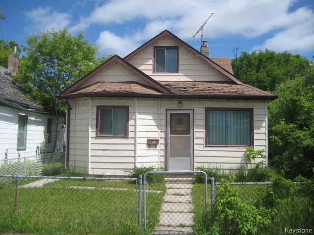Main Photo: 631 Chalmers Avenue in Winnipeg: East Kildonan Residential for sale (North East Winnipeg)  : MLS®# 1614752