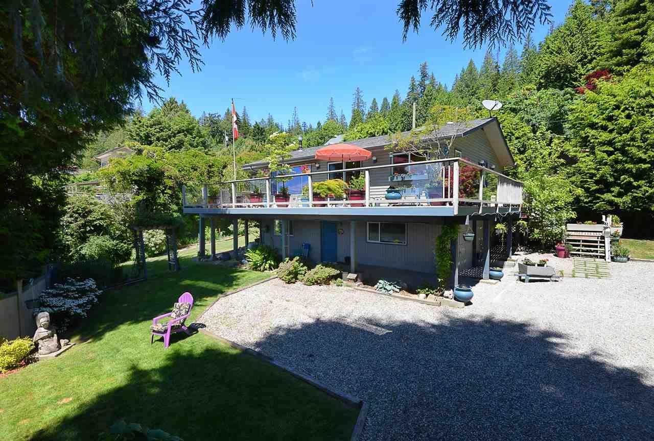 Main Photo: 5487 TRAIL ISLAND Drive in Sechelt: Sechelt District House for sale (Sunshine Coast)  : MLS®# R2245911