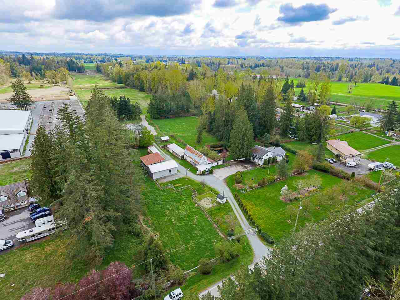 Main Photo: 932 240 Street in Langley: Otter District House for sale : MLS®# R2357650