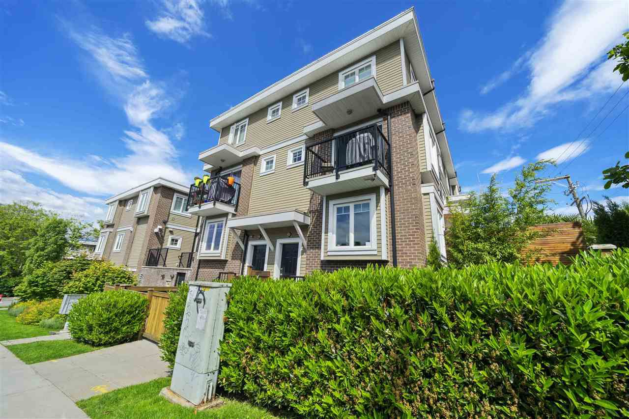 """Main Photo: 328 SEMLIN Drive in Vancouver: Hastings Townhouse for sale in """"Sunrise Views"""" (Vancouver East)  : MLS®# R2373951"""